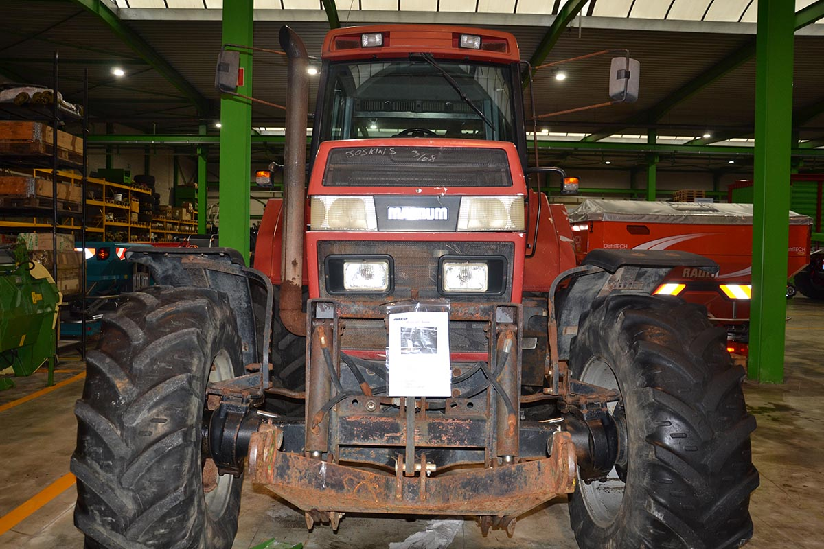 Tractors (89kW and more) from 120hp Case Magnum 7220