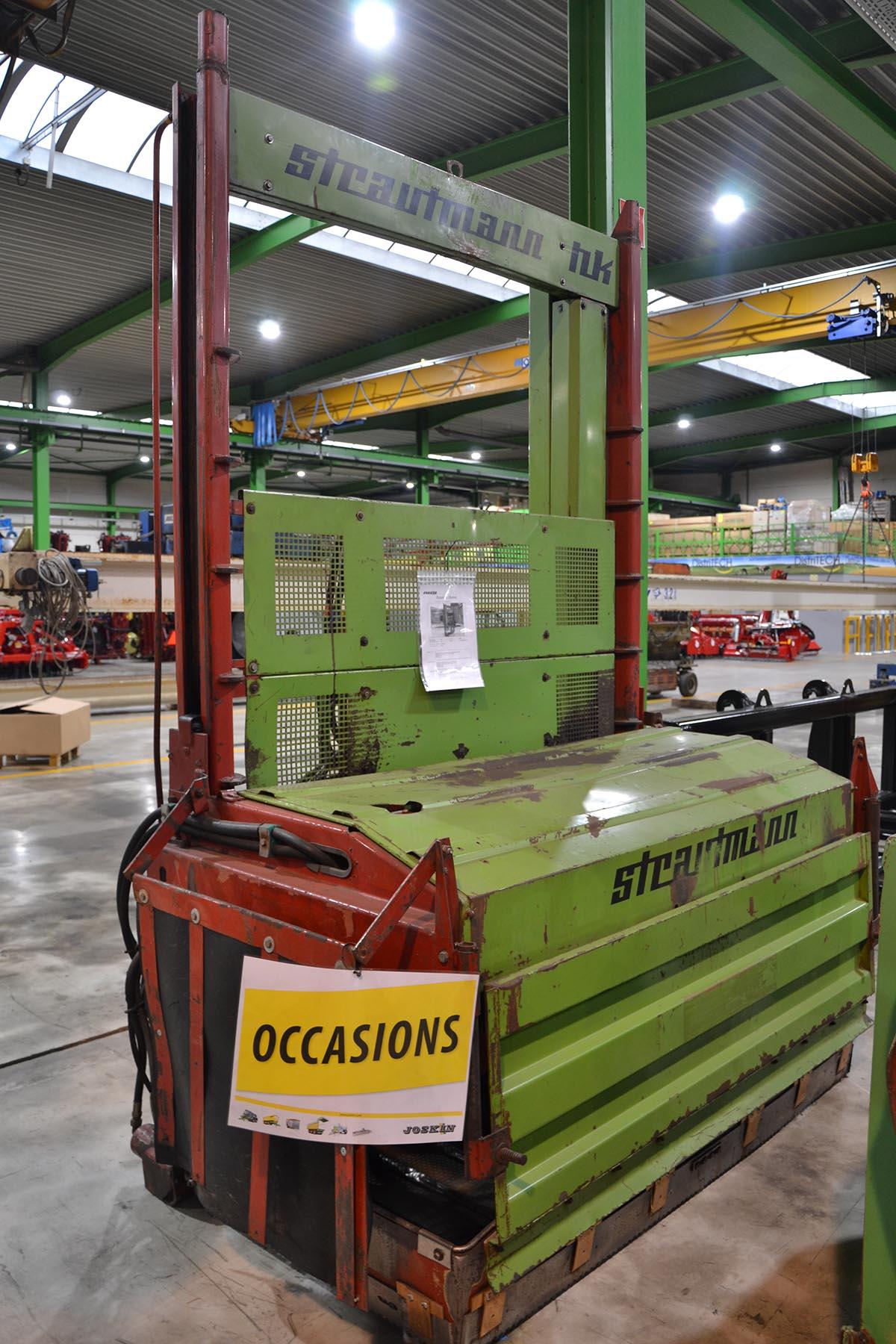 Silo unloaders / Fodder mixing wagons Strautmann HK4