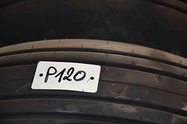 Tyres cover 40-14