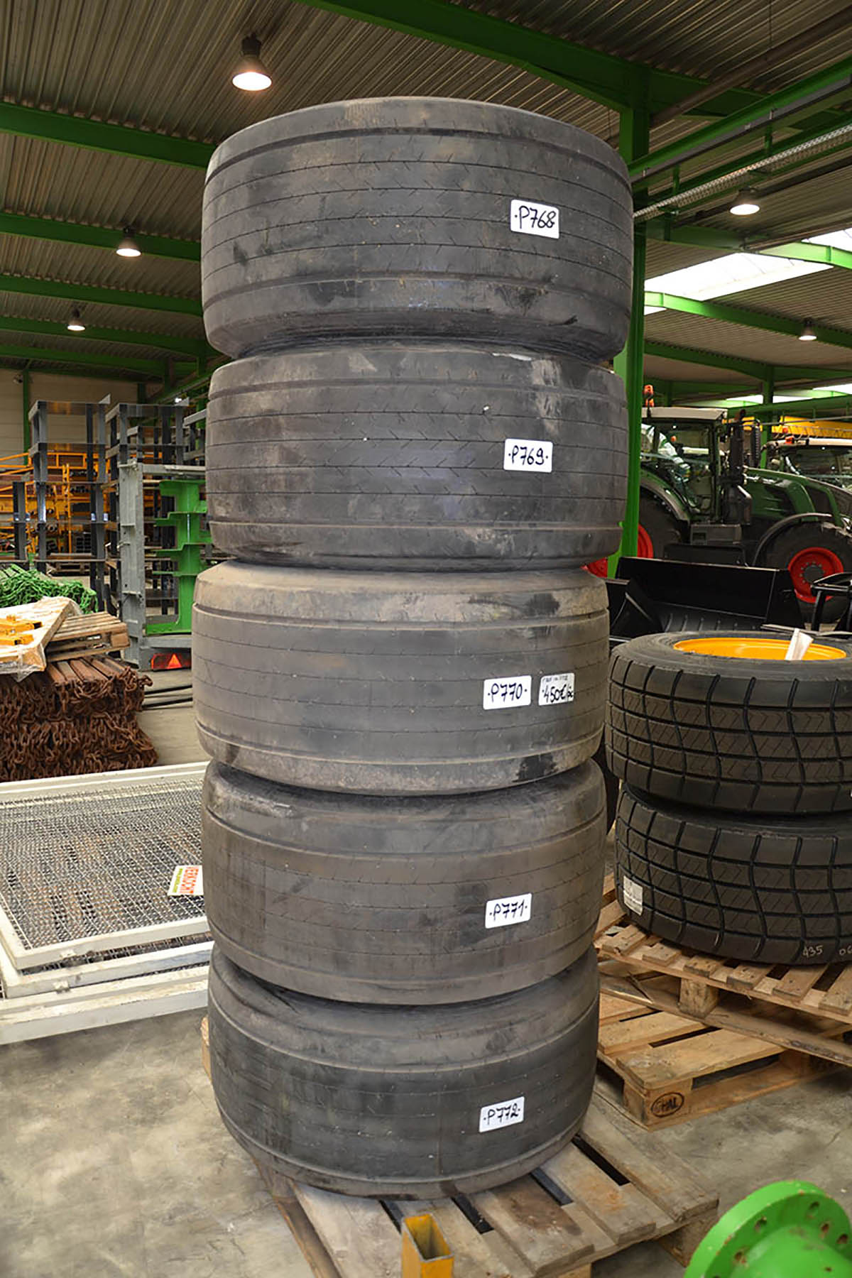 Tyres G-Year 435/50R19,5