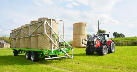 Hydraulic Side Ladders on Trailed Bale Trailers