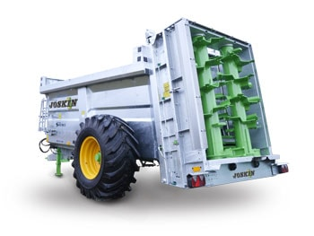 Muck spreader with vertical beaters siroko